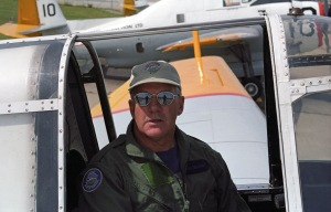 Pilot John MacNeil at FPL, Miramichi NB, 2000. [FPL files]