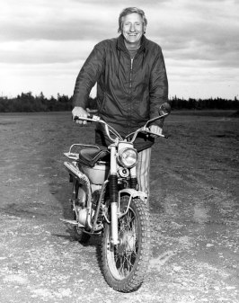 Pilot Kenny Owens, Sevogle airstrip, June 1972. Dewey Photography (Chatham NB).