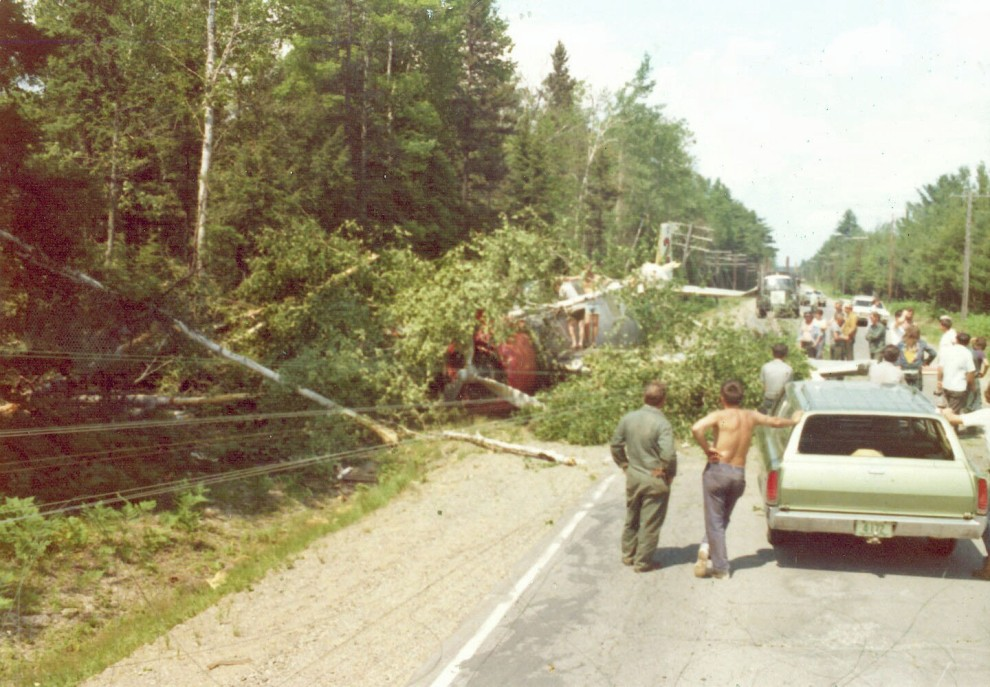 TBM #E25 C-GLEG crash 1 mile north of Dunphy Airstrip, 4 July 1975